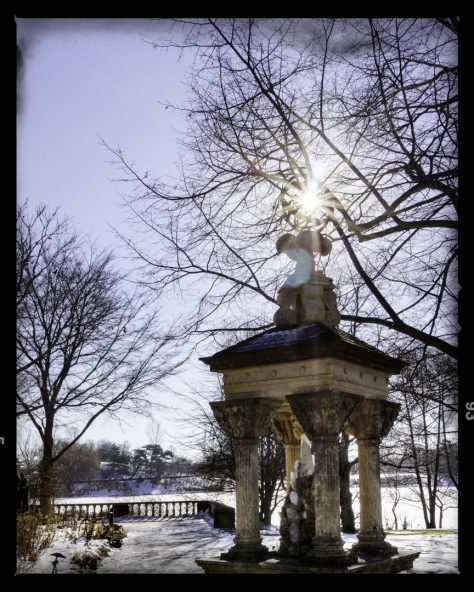 A sundial at the Chicago Botanic Garden.