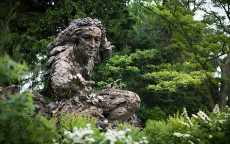 Carolus Linnaeus in giant bronze at the Chicago Botanic Garden.